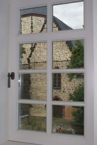Fenstergriff Kirchenblick