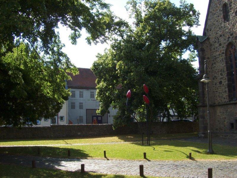 Kirchenplatzblick mit Plane