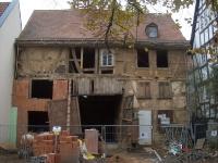 Fassade am 29. Oktober 2011 - das erste Mal seit Ewigkeiten mit offenem Tor!